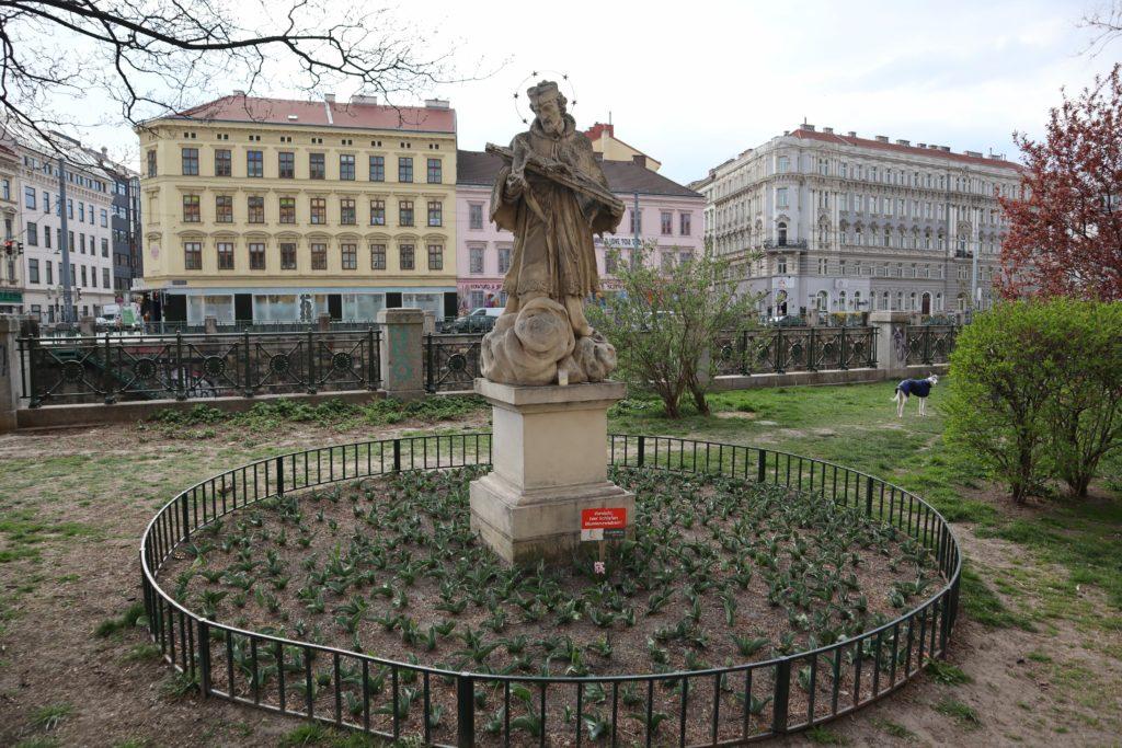 Nepomuk Statue, 1050 Wien, 3.4.2019
