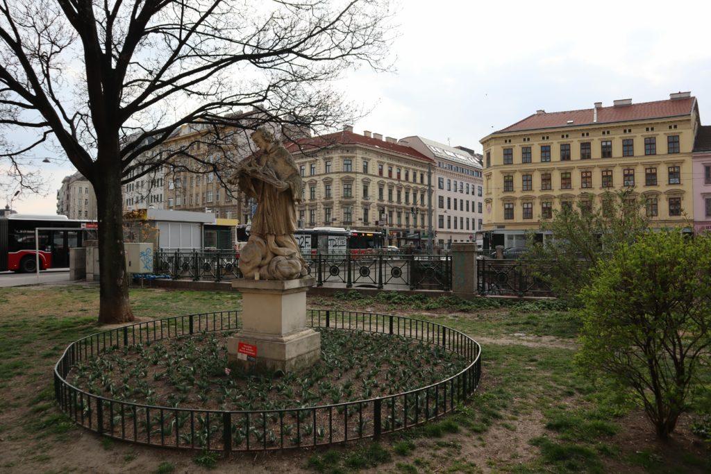 Nepomuk Statue bei der Pilgrambrücke, 1050 Wien, 3.4.2019