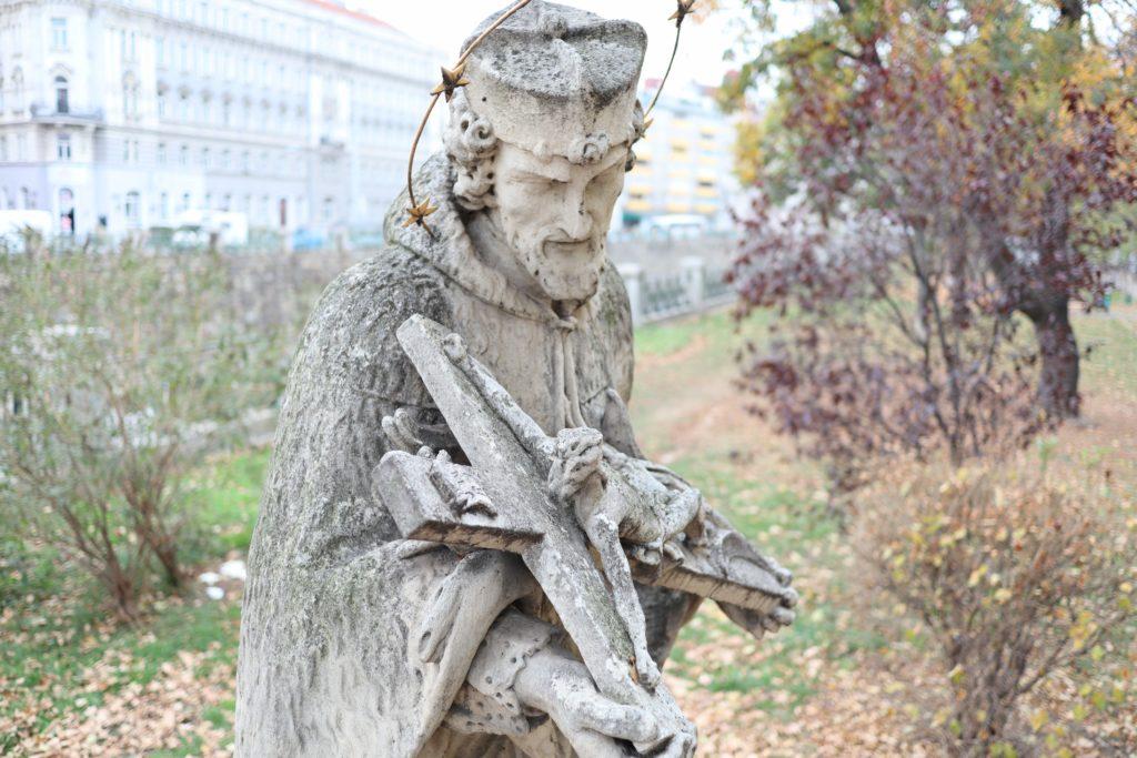 Nepomuk Statue bei Pilgrambrücke, 1050 Wien, 2.11.2019
